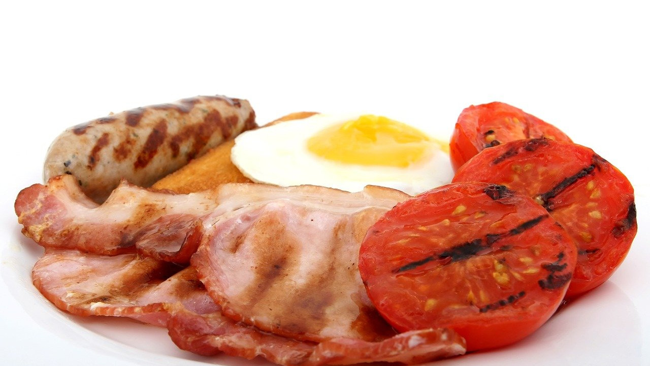 ham, sausage, egg, tomato breakfast